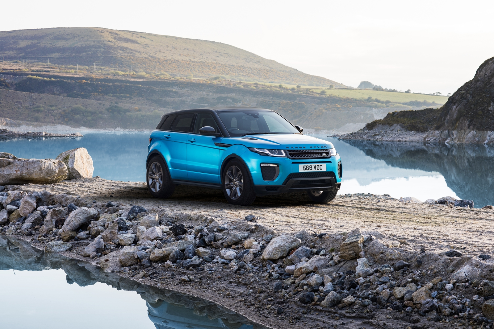 Range-Rover-Evoque-voi-mau-son-la-mat-anh-1