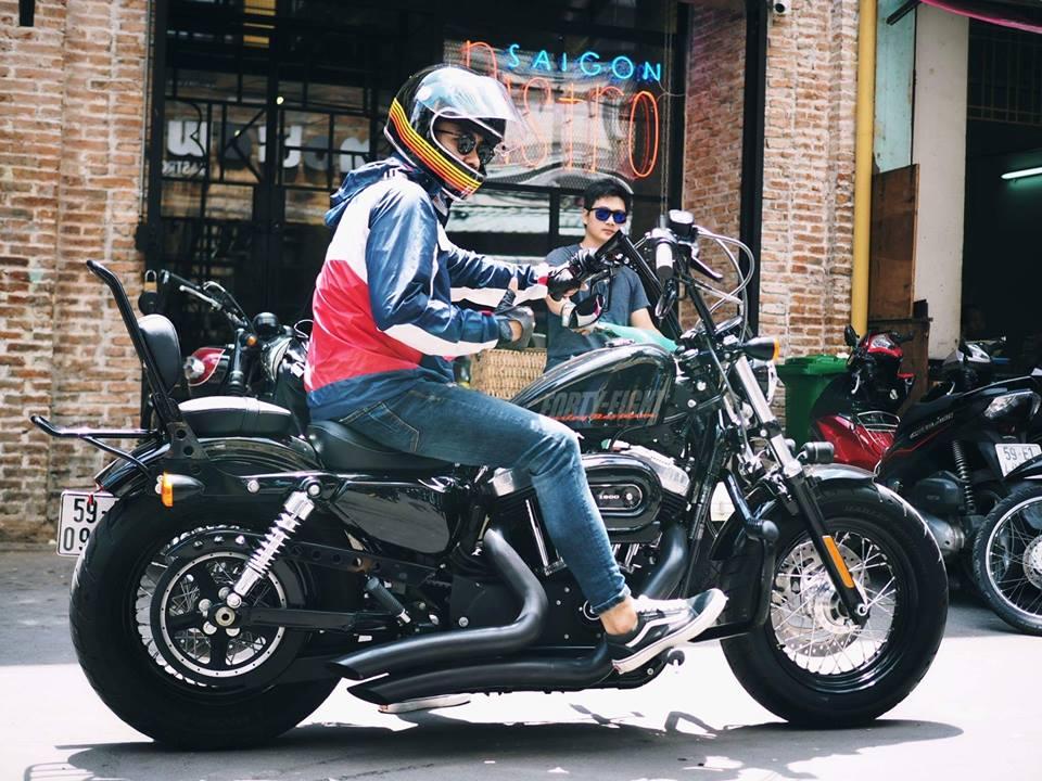 San-choi-moi-Biker-Shield-Bistro-cho-nguoi-yeu-xe-giua-Sai-Gon-anh-10