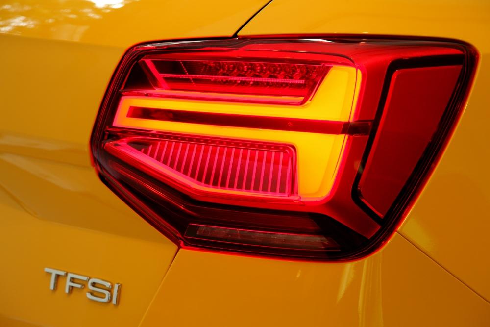 Audi-Q2-2017-ve-Viet-Nam-re-hon-Mercedes-GLA-200-anh-10