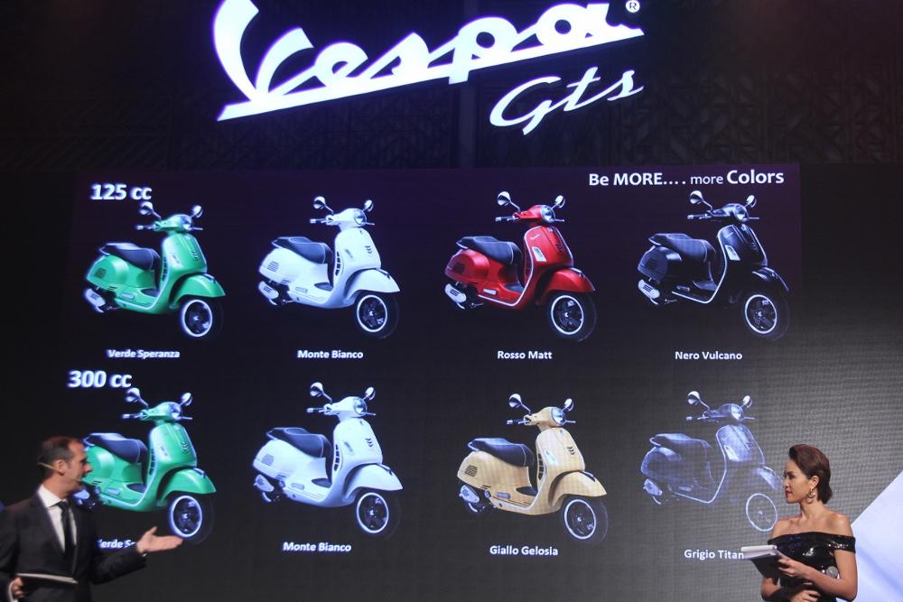 Can-canh-ve-dep-Vespa-GTS-Super-300-lan-at-Honda-SH-300i-anh-9