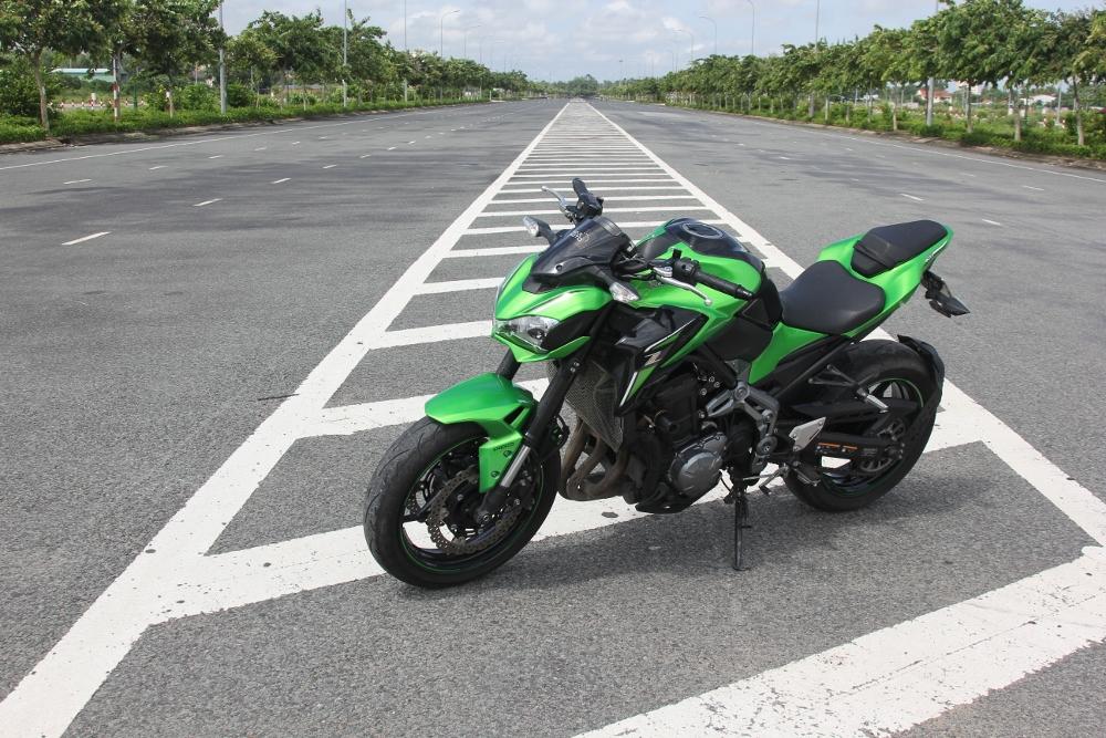 Kawasaki-Z900-2017-nakedbike-cong-nghe-xe-dua-voi-gia-hap-dan-anh-1