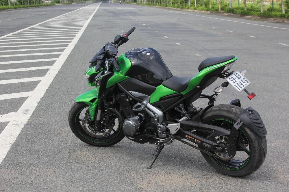 Kawasaki-Z900-2017-nakedbike-cong-nghe-xe-dua-voi-gia-hap-dan-anh-24