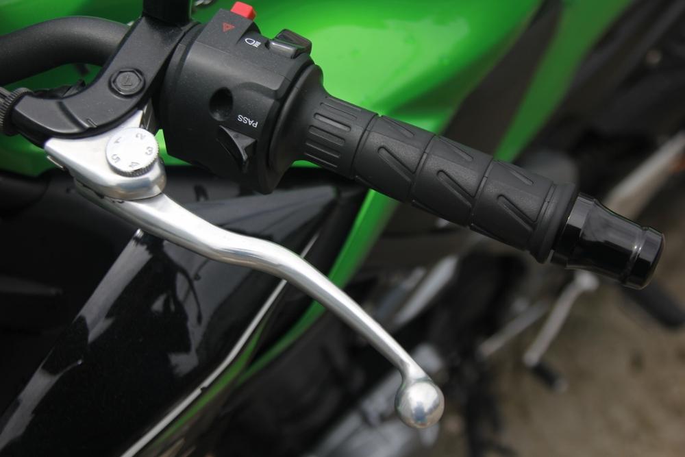 Kawasaki-Z900-2017-nakedbike-cong-nghe-xe-dua-voi-gia-hap-dan-anh-17