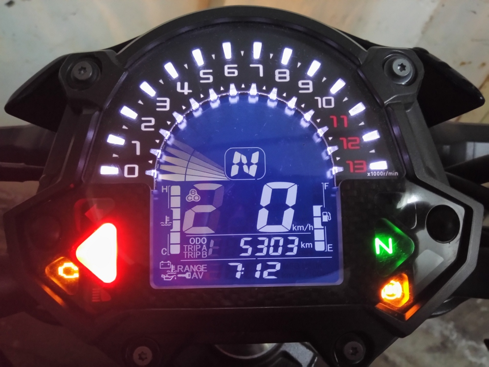 Kawasaki-Z900-2017-nakedbike-cong-nghe-xe-dua-voi-gia-hap-dan-anh-21