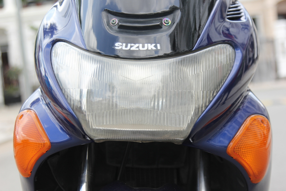 Suzuki-Avenis-goi-nho-niem-dam-me-xe-ga-manh-liet-anh-6