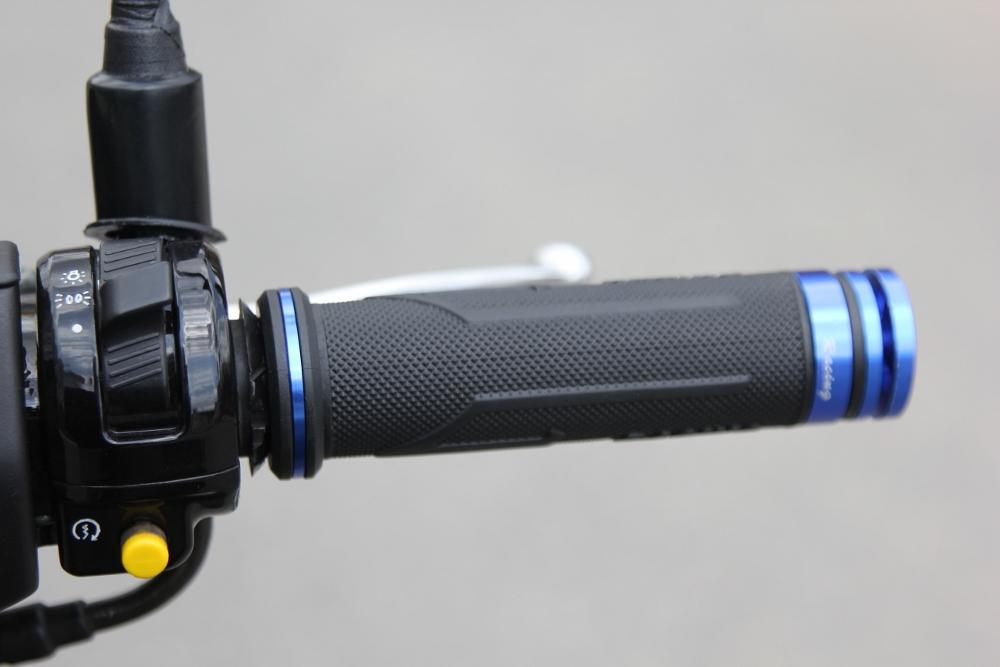 Suzuki-Avenis-goi-nho-niem-dam-me-xe-ga-manh-liet-anh-16