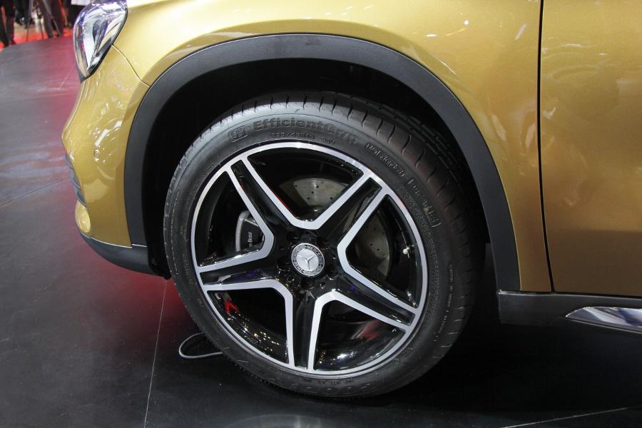 VMS-2017-Net-bat-ngo-tren-GLA-SUV-hang-nhap-gia-re-nhat-cua-Mercedes-Benz-anh-4