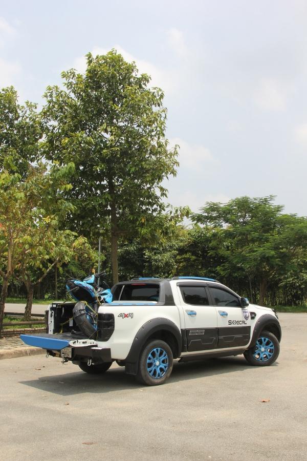 Ford-Ranger-do-phong-cach-cam-trai-mat-mat-tai-Sai-Gon-anh-15