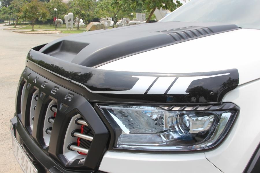 Ford-Ranger-do-phong-cach-cam-trai-mat-mat-tai-Sai-Gon-anh-5
