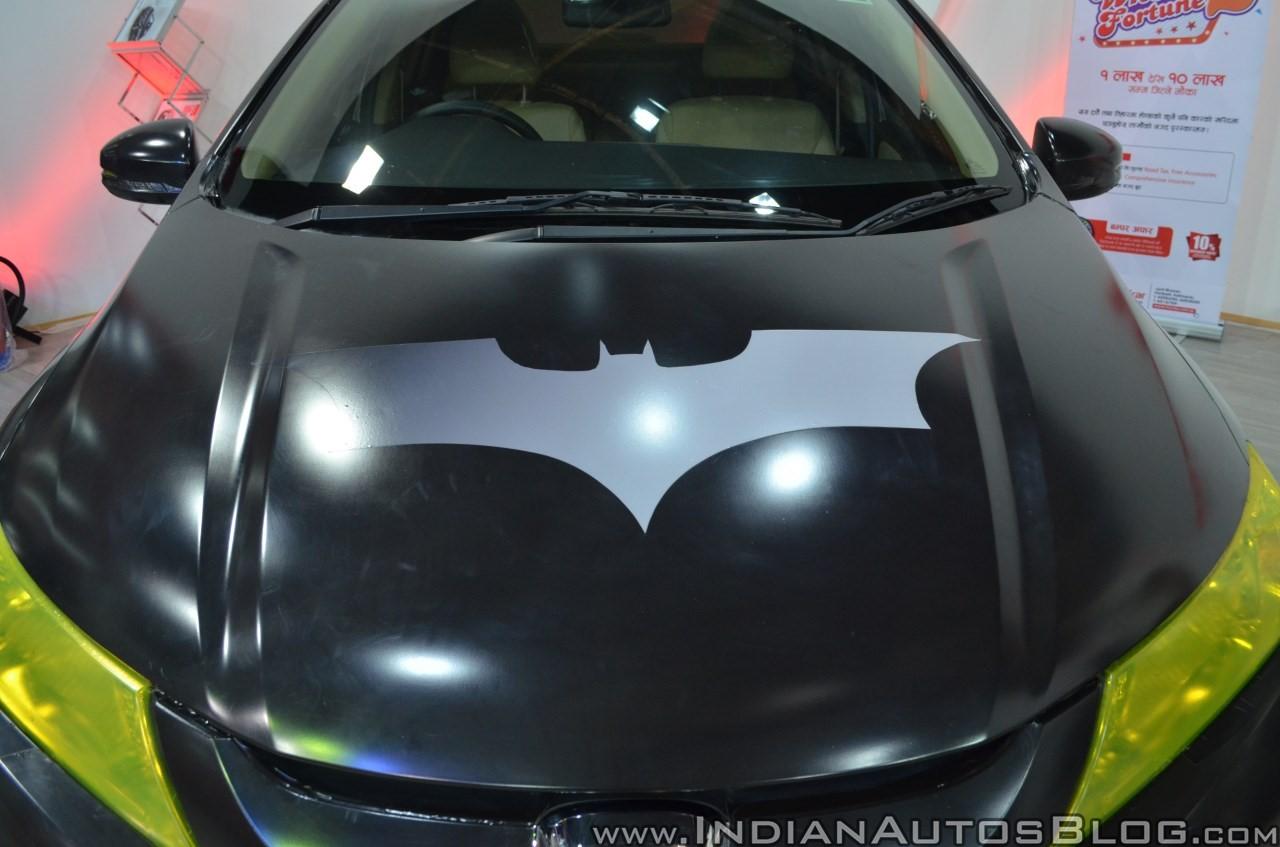 Sedan-Honda-City-do-phong-cach-Batman-anh-1