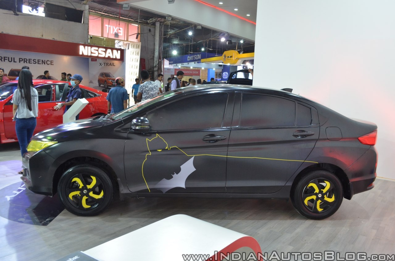 Sedan-Honda-City-do-phong-cach-Batman-anh-2