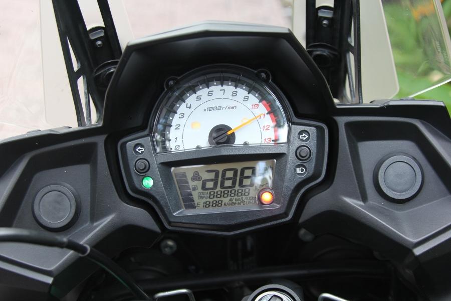 Kawasaki-Versys-650-mo-to-gia-hoi-cho-mua-phuot-cuoi-nam-anh-12