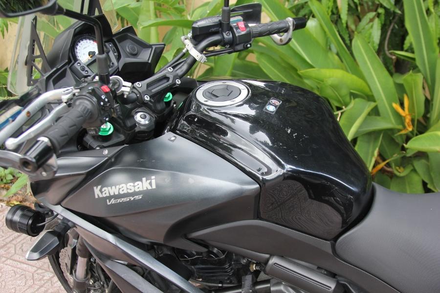 Kawasaki-Versys-650-mo-to-gia-hoi-cho-mua-phuot-cuoi-nam-anh-10