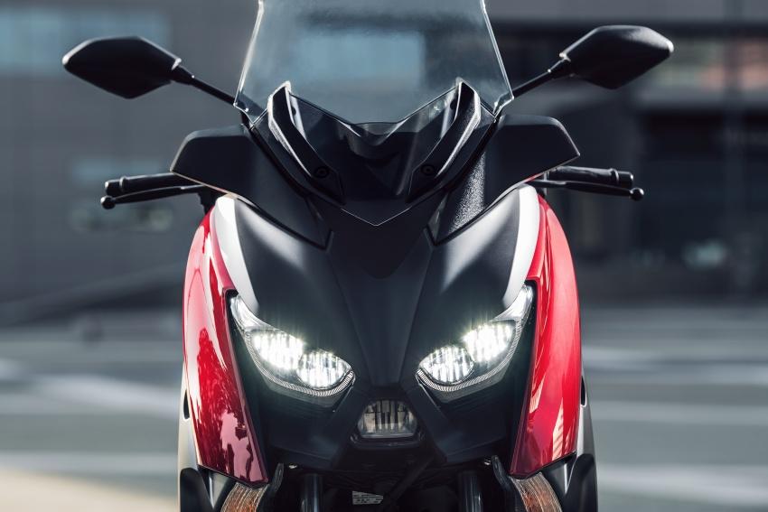 Yamaha-X-Max-125cc-2018-co-he-thong-kiem-soat-do-bam-duong-anh-5