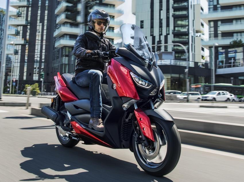 Yamaha-X-Max-125cc-2018-co-he-thong-kiem-soat-do-bam-duong-anh-1