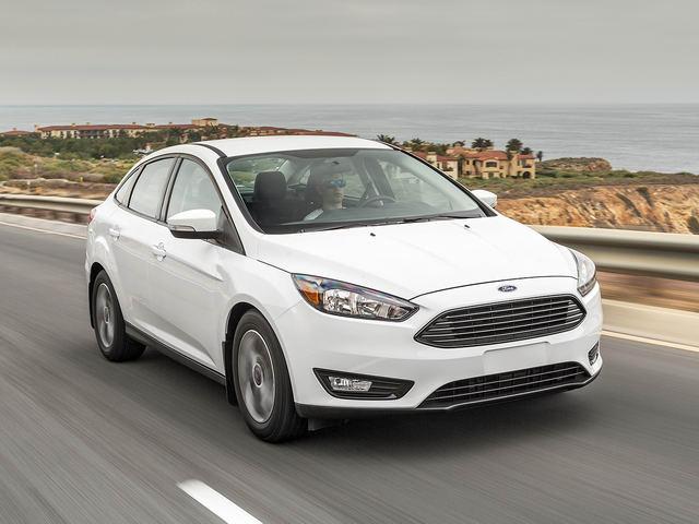 Ford-Focus-den-tay-khach-hang-Viet-giam-gia-159-trieu
