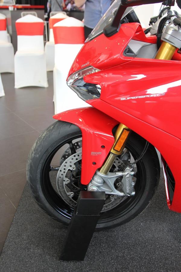 Ducati-SuperSport-S-2017-gia-571-trieu-co-trang-bi-gi-anh-6