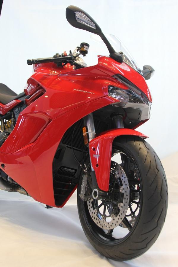 Ducati-SuperSport-S-2017-gia-571-trieu-co-trang-bi-gi-anh-19