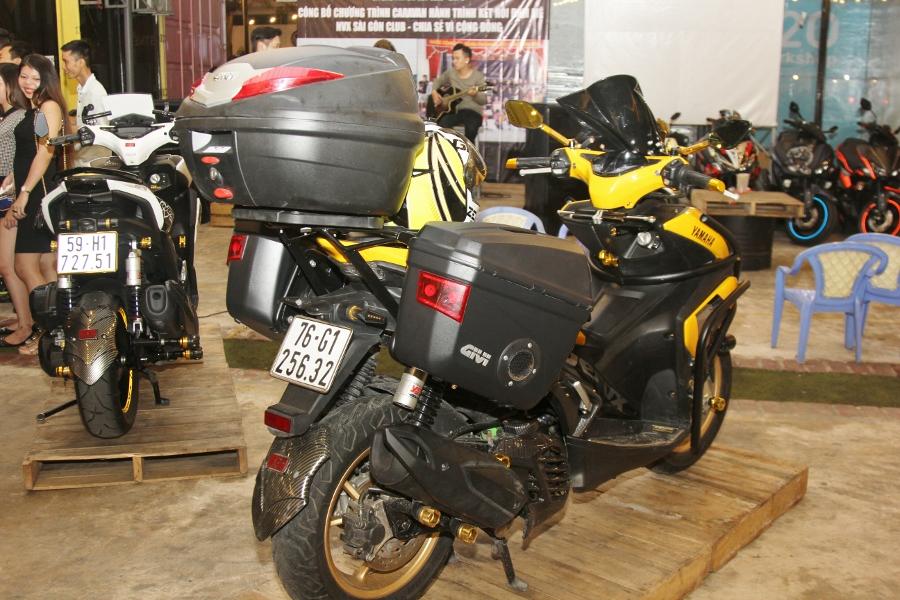 Hoi-Yamaha-NVX-tu-tap-khoe-xe-cuc-doc-anh-23