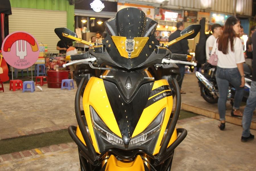 Hoi-Yamaha-NVX-tu-tap-khoe-xe-cuc-doc-anh-22