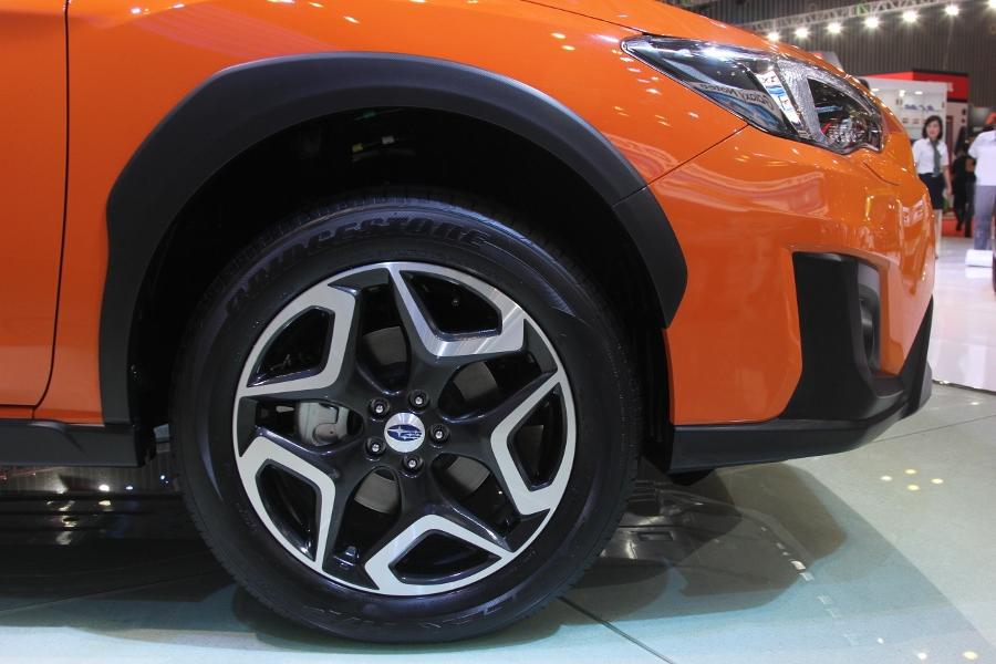VIMS-2017-Crossover-Subaru-XV-2.0i-S-co-gi-dac-biet-anh-6