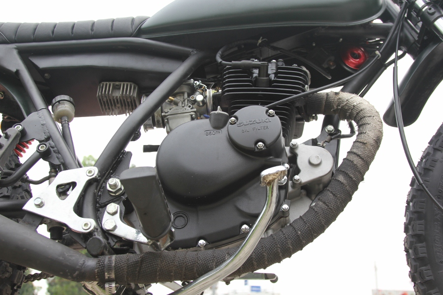 Suzuki-GN125-len-doi-Tracker-nha-binh-anh-15