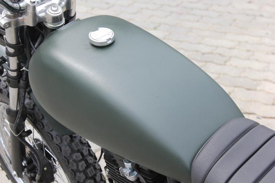 Suzuki-GN125-len-doi-Tracker-nha-binh-anh-4