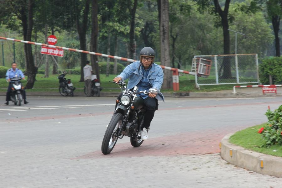 Suzuki-GN125-len-doi-Tracker-nha-binh-anh-20