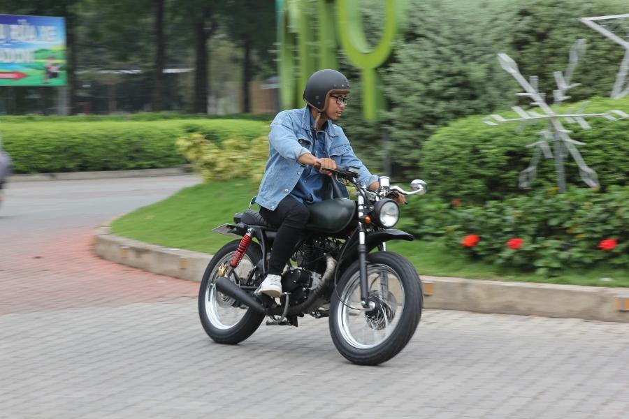Suzuki-GN125-len-doi-Tracker-nha-binh-anh-8