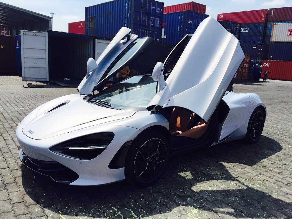 Dan-choi-Sai-Gon-tau-sieu-xe-McLaren-720S-2017-anh-2