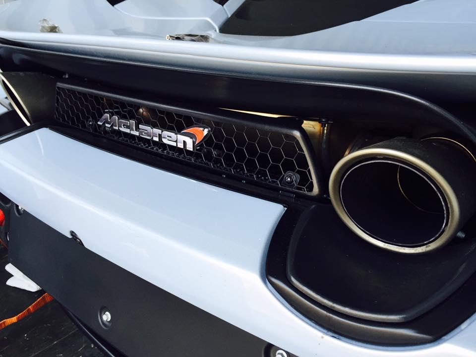 Dan-choi-Sai-Gon-tau-sieu-xe-McLaren-720S-2017-anh-8