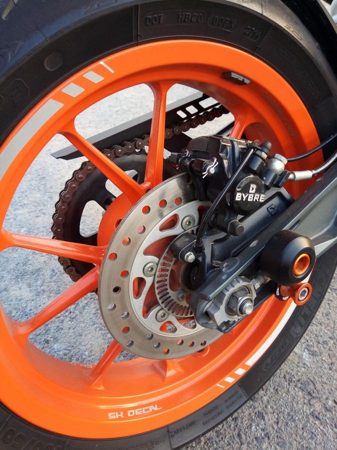 Chi-30-trieu-dong-nang-tam-xe-dua-duong-pho-KTM-RC390-anh-23