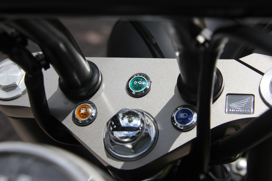Honda-Shadow-750-Quy-ong-diem-tinh-tren-pho-thi-anh-14