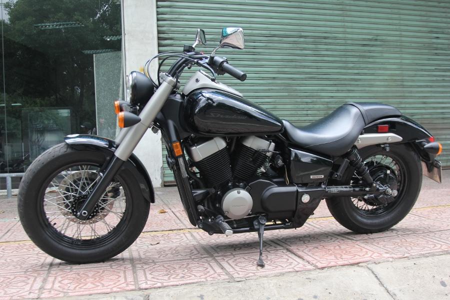 Honda-Shadow-750-Quy-ong-diem-tinh-tren-pho-thi-anh-19