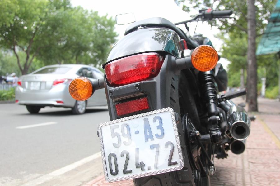 Honda-Shadow-750-Quy-ong-diem-tinh-tren-pho-thi-anh-8