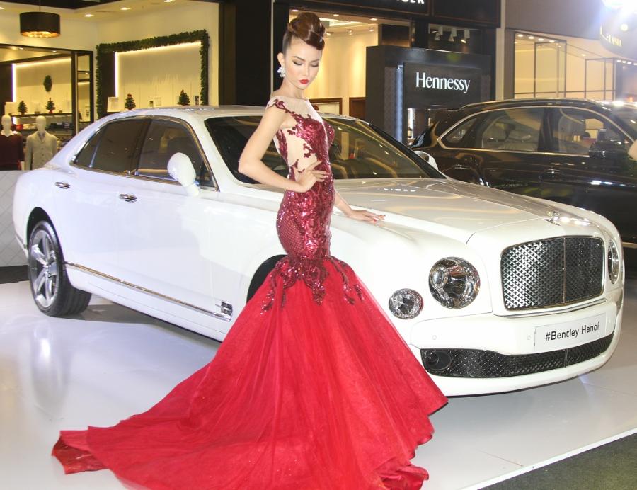 Bentley-trien-lam-xe-cuc-dat-tien-tai-Sai-Gon-anh-19