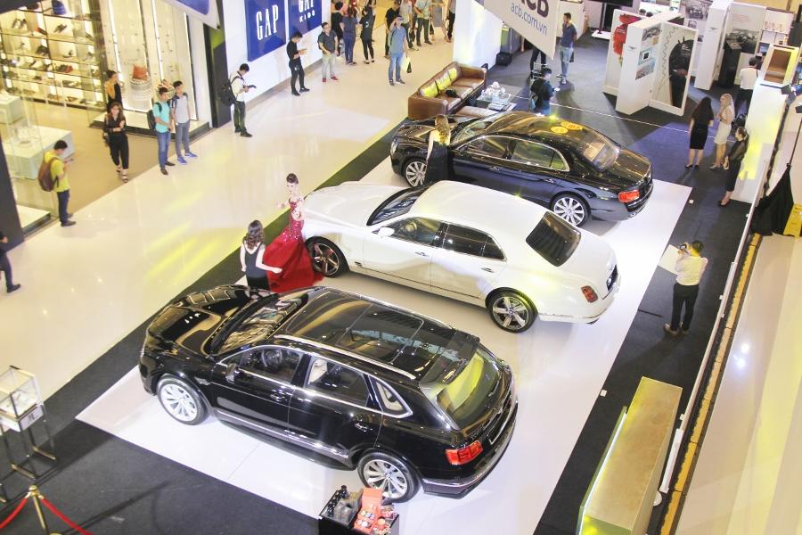 Bentley-trien-lam-xe-cuc-dat-tien-tai-Sai-Gon-anh-8