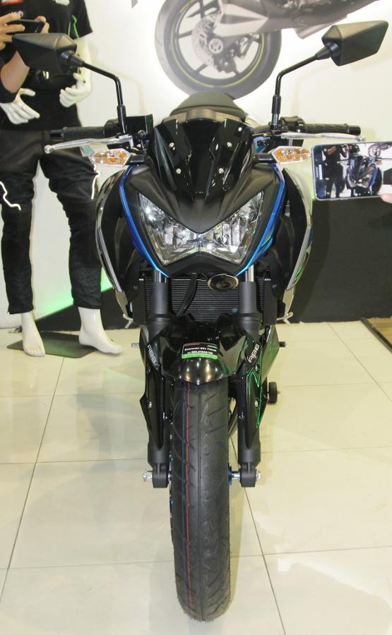 Nakedbike-Kawasaki-Z300-2018-gia-129-trieu-dong-co-gi-hon-doi-thu-anh-6