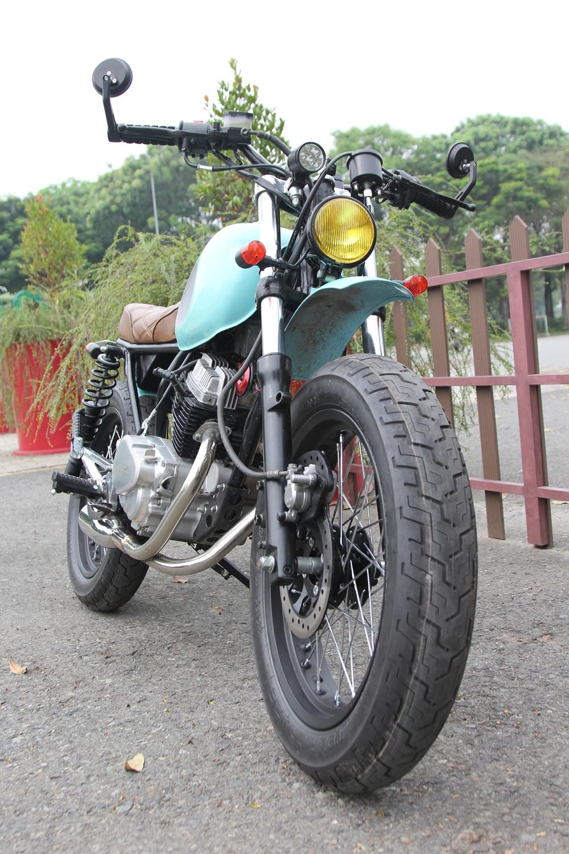 Honda-CBT125-bien-hoa-voi-kieu-do-Tracker-moi-anh-7