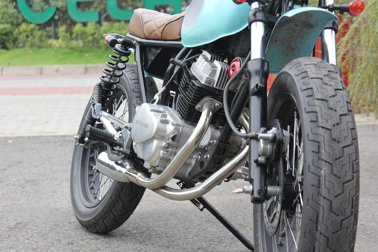 Honda-CBT125-bien-hoa-voi-kieu-do-Tracker-moi-anh-11