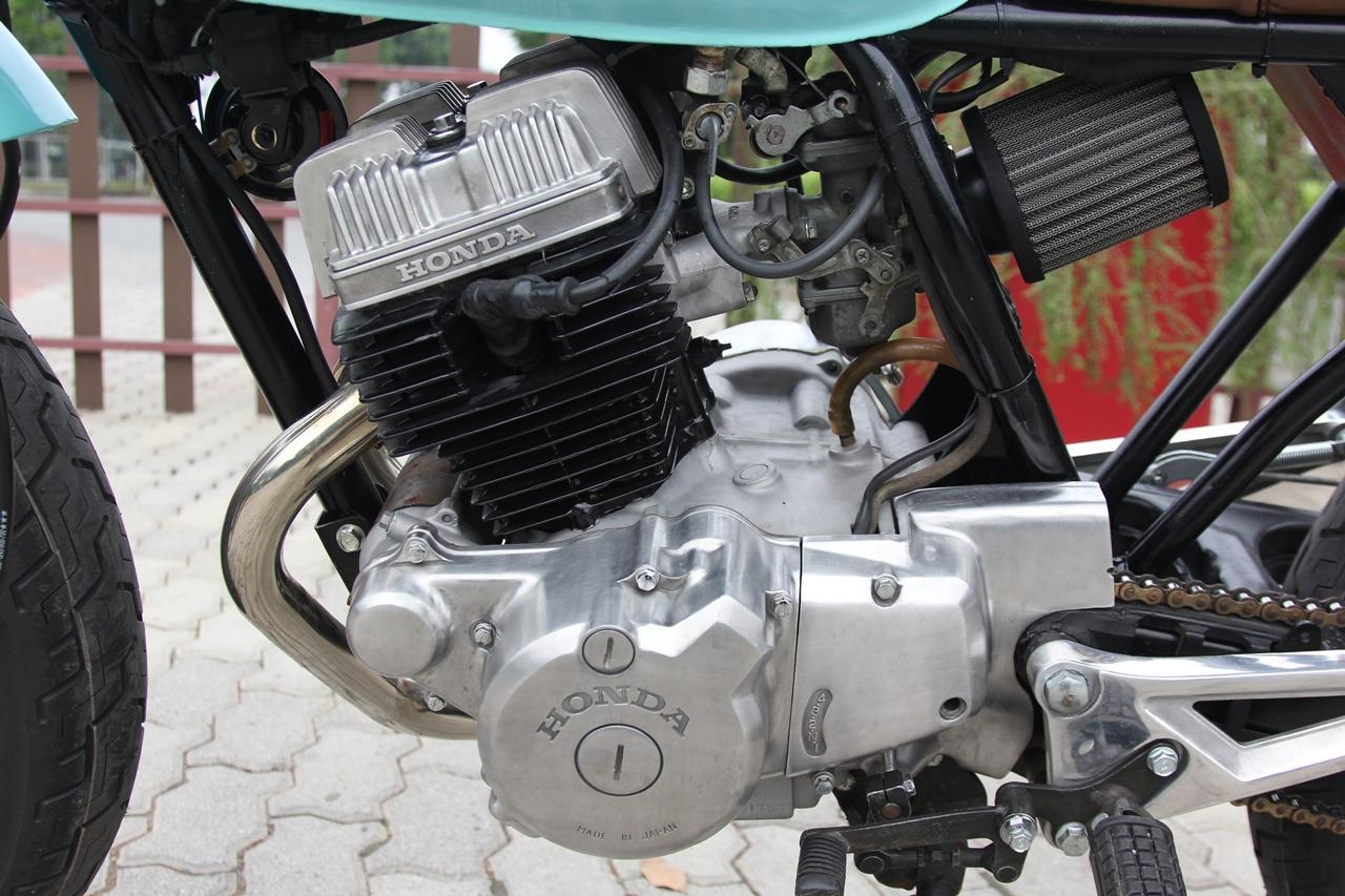 Honda-CBT125-bien-hoa-voi-kieu-do-Tracker-moi-anh-15