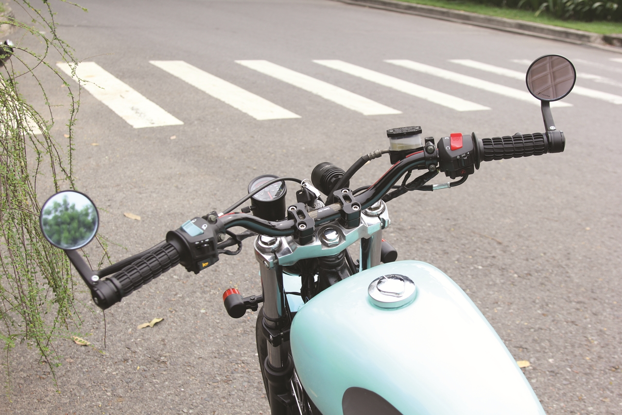 Honda-CBT125-bien-hoa-voi-kieu-do-Tracker-moi-anh-6