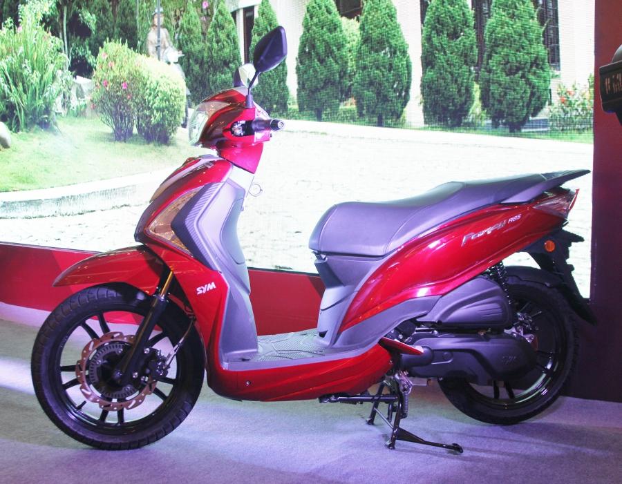 Xe-ga-ABS-39-trieu-SYM-Fancy-125-co-gi-hon-Lead-va-Grande-anh-1