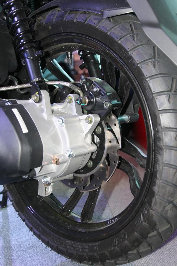 Xe-ga-ABS-39-trieu-SYM-Fancy-125-co-gi-hon-Lead-va-Grande-anh-3