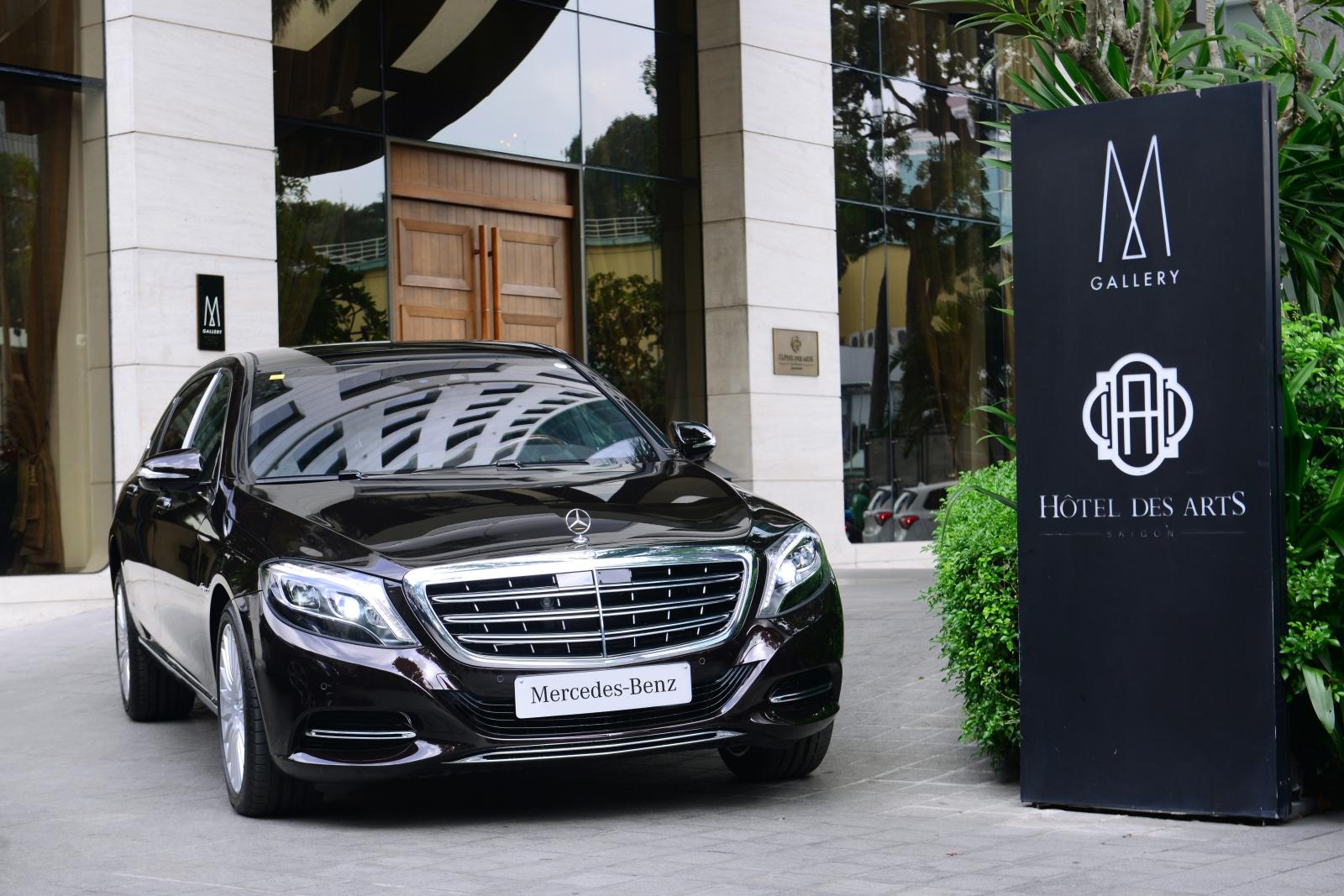 Mercedes-giao-xe-7-cho-an-toan-5-sao-cho-khach-dai-gia-Sai-Gon-anh-3