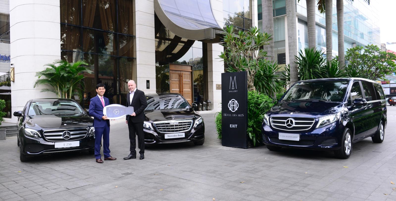 Mercedes-giao-xe-7-cho-an-toan-5-sao-cho-khach-dai-gia-Sai-Gon-anh-2