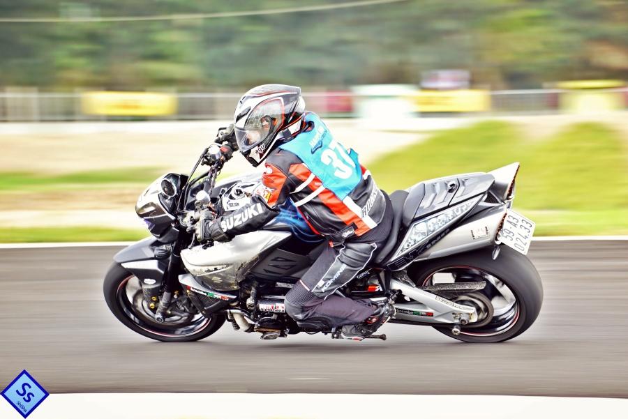 Suzuki-B-King-Kham-pha-mo-to-con-nha-giau-noi-cong-tham-hau-anh-1