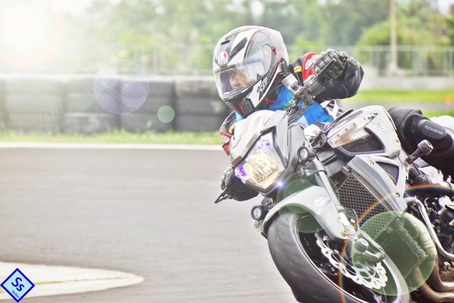 Suzuki-B-King-Kham-pha-mo-to-con-nha-giau-noi-cong-tham-hau-anh-19