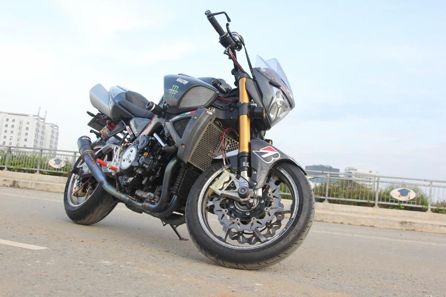 Suzuki-B-King-Kham-pha-mo-to-con-nha-giau-noi-cong-tham-hau-anh-2