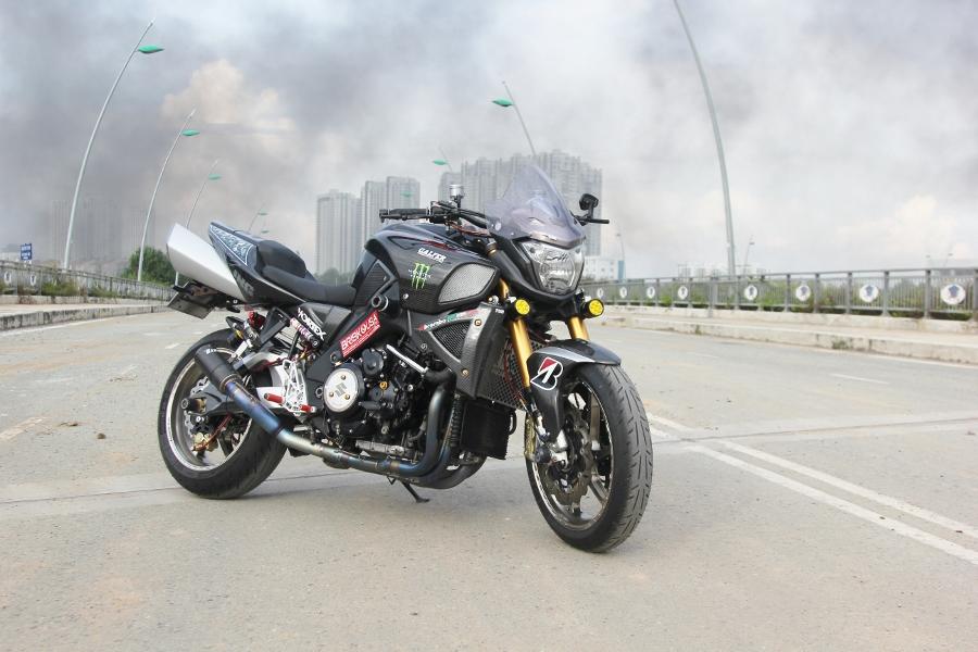 Suzuki-B-King-Kham-pha-mo-to-con-nha-giau-noi-cong-tham-hau-anh-4